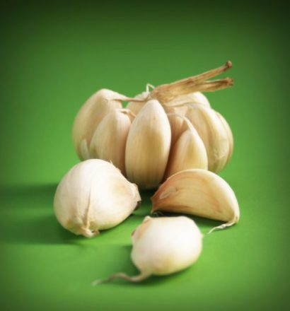 Acne treatment,acne home remedy,fast acne relief,garlic for acne