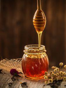 honey,immune system,immune system boosters,vitamins,remedies,exercise,diet,folk remedies,getting sick,flu season,probiotics,zinc,multivitamins,stress,hot tea
